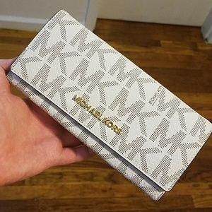 NEW Michael Kors clutch/wallet, vanilla color